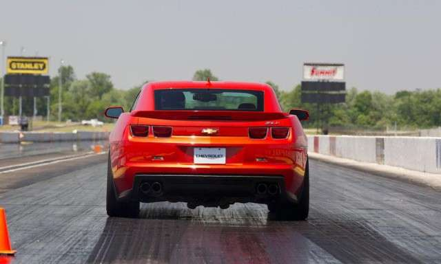 Camaro-ZL1-drag-strip